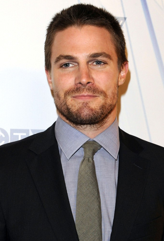 stephen-amell as Christian Grey2